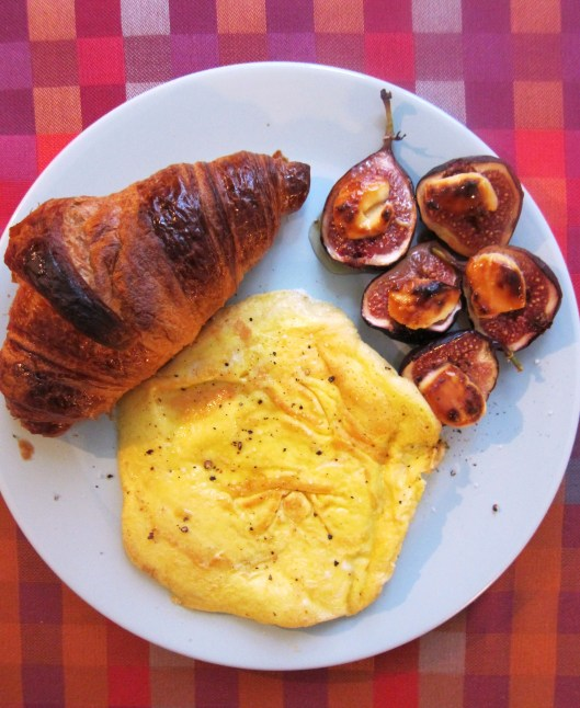 omelette with honeyed figs