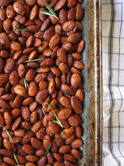 spiced almonds - detail
