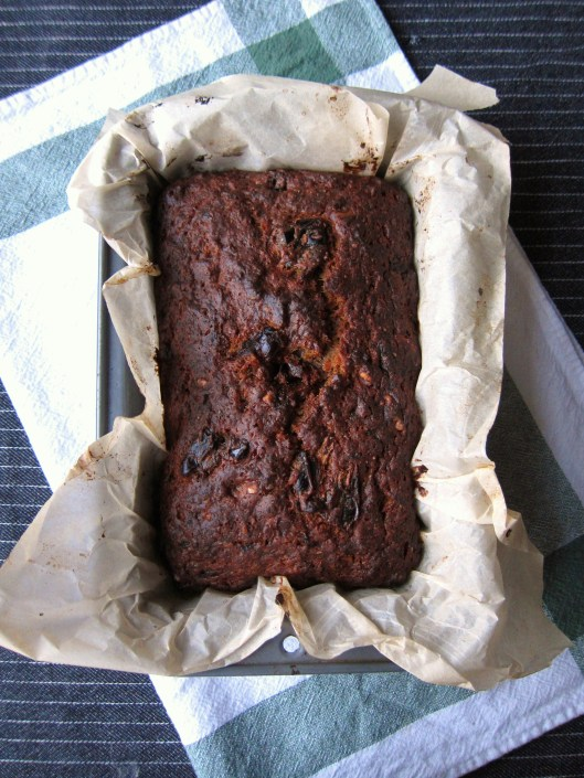 Date-Walnut Banana Cake