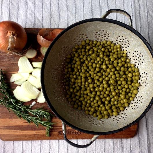 Rosemary Peas // © julia chews the fat