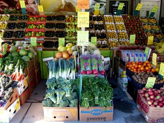Bob the green grocer // © julia chews the fat